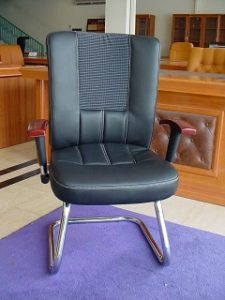 CGL 63 BA-LOW BACK VISITOR CHAIR